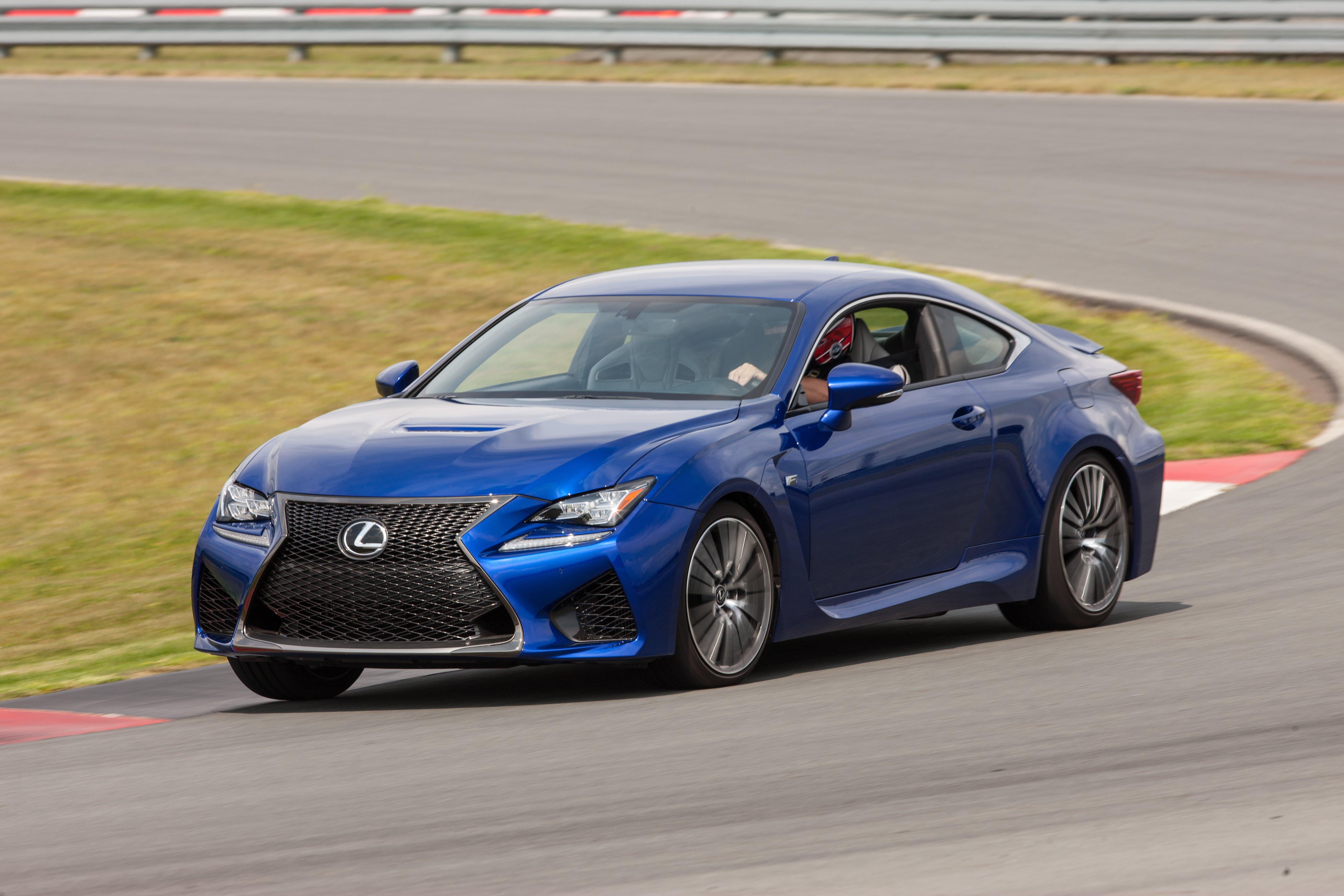 2015 Lexus RC F - blue on track
